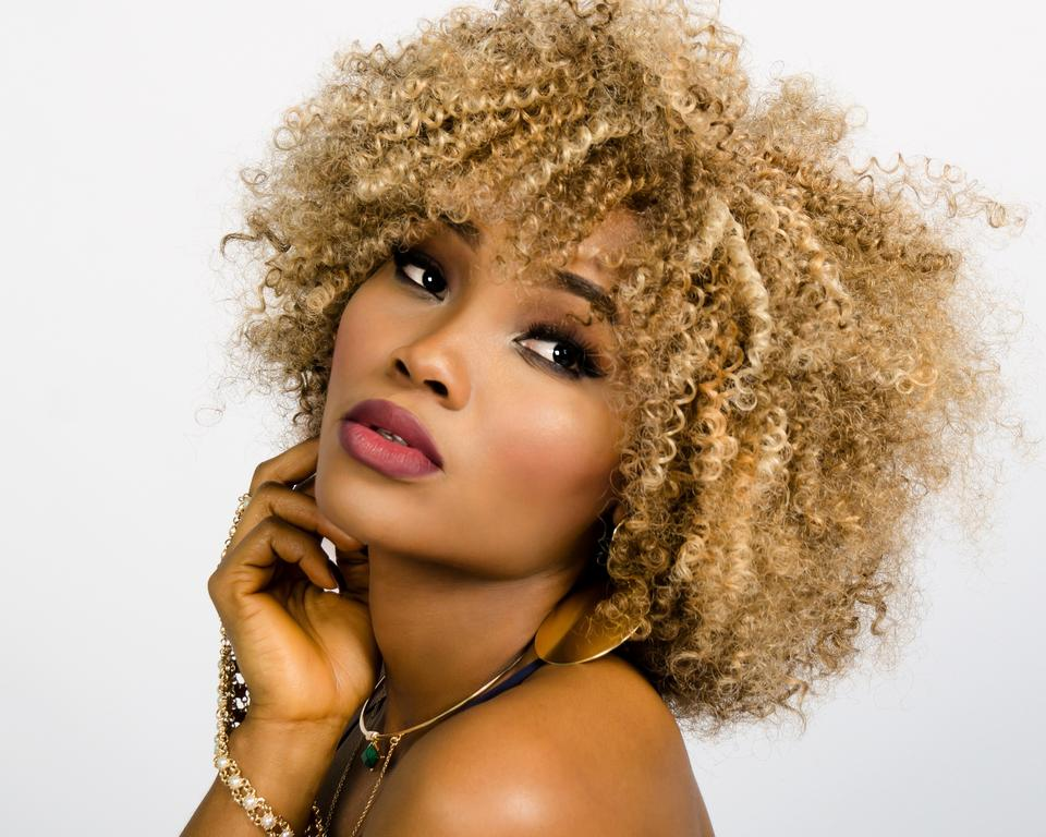 Afro beautiful curly 157920