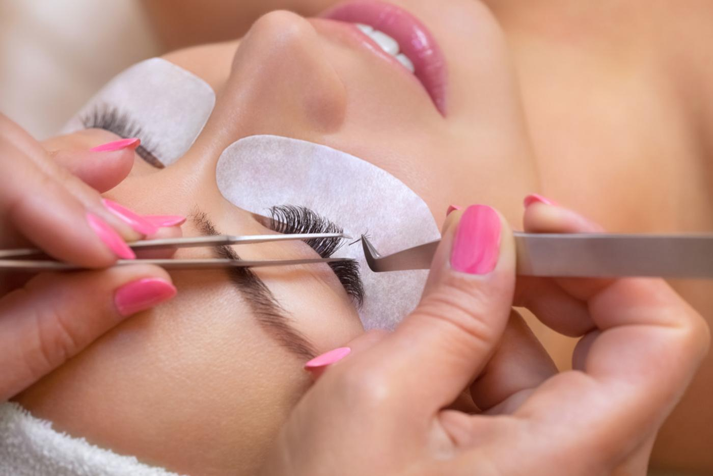 Eyelash extensions in lincoln (1)
